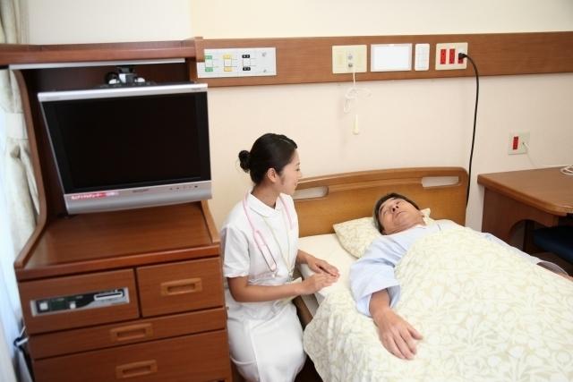 病室、病院、男性、看護婦.jpg